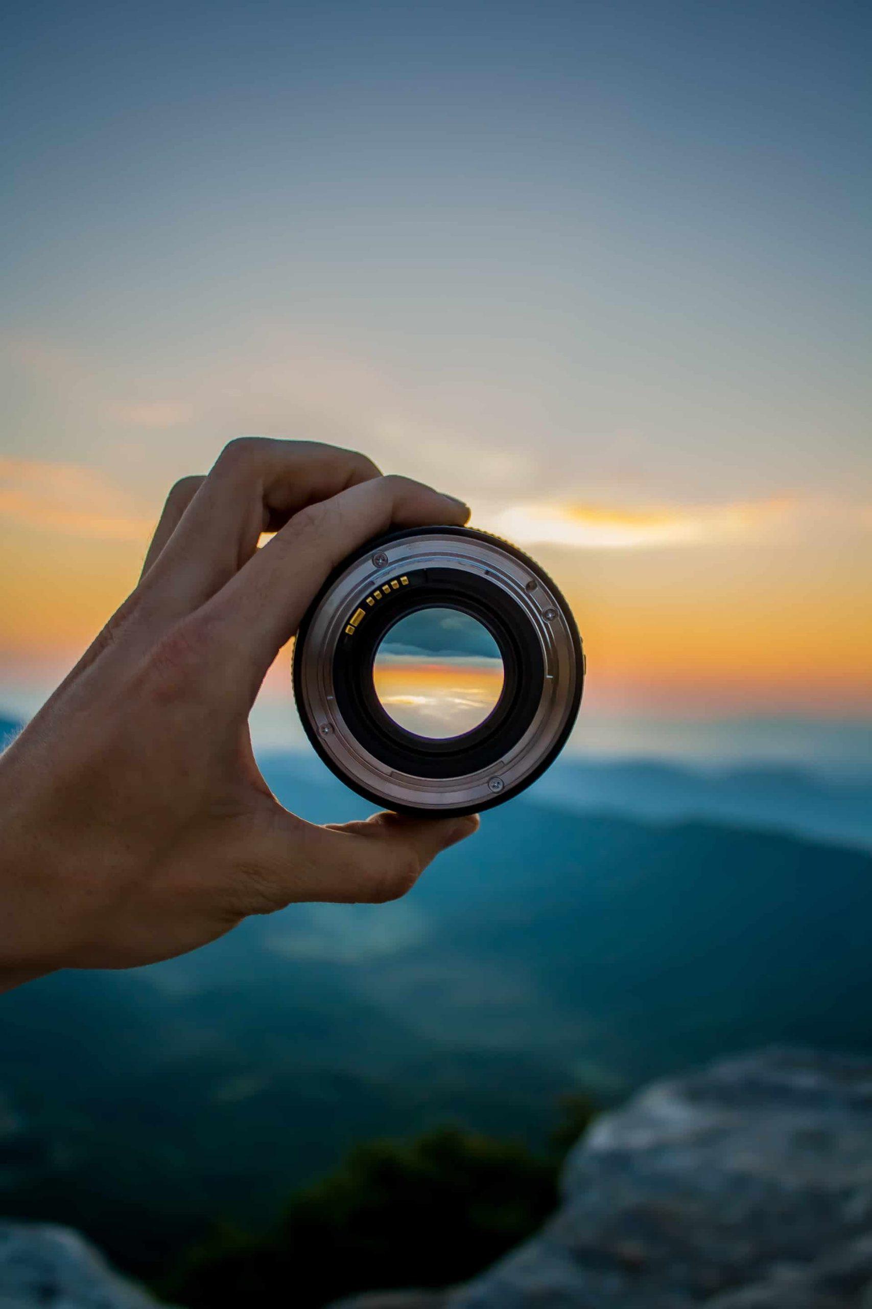 Focus via lens